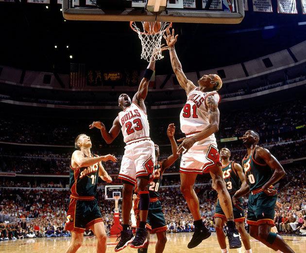 The 1996 Chicago Bulls Vs. The 2001 Los